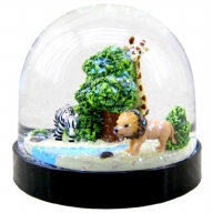 Waterglobe. Black Base. African Safari.