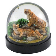 Waterglobe. Black Base. Tiger.