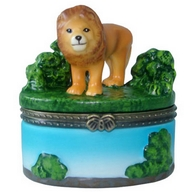 Box. Porcelain. Lion.