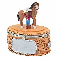 Box. Polyresin. Cowgirl. Belt Buckle.